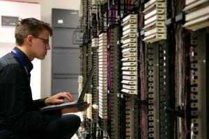 קורס ניהול רשתות תקשורת